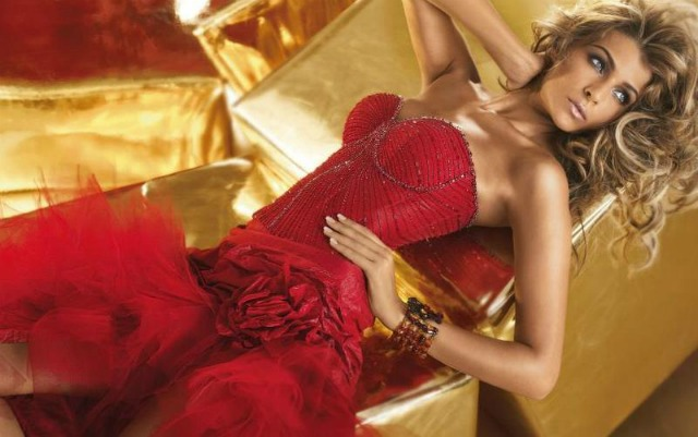Linea-di-abiti-da-sposa-rosso-fuoco-per-Alessandro-Couture