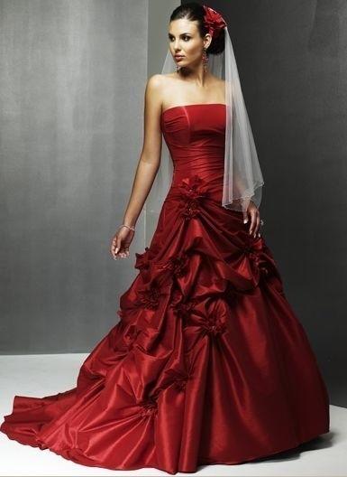 ... disabilitati su Abiti da sposa rossi per chi ama il colore [FOTO