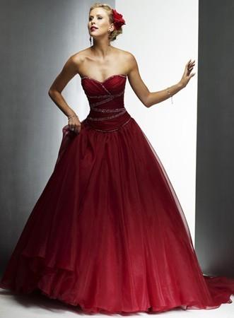 abito-da-sposa-rosso-senza-spalline