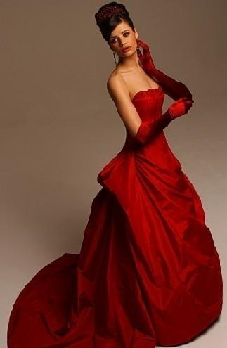 vestito-da-sposa-rosso-con-guanti