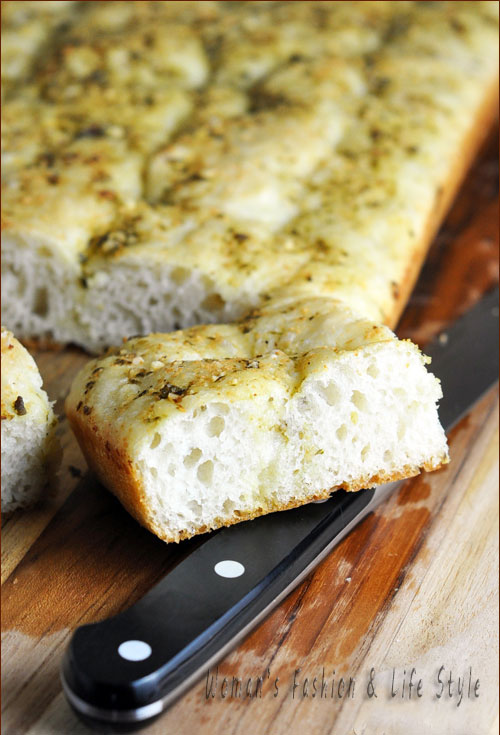 Focaccia-with-Pesto-vertical-blog.....................