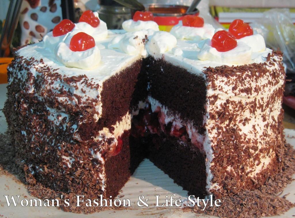 Beautiful_Birthday_Black_Forest_Cake..........
