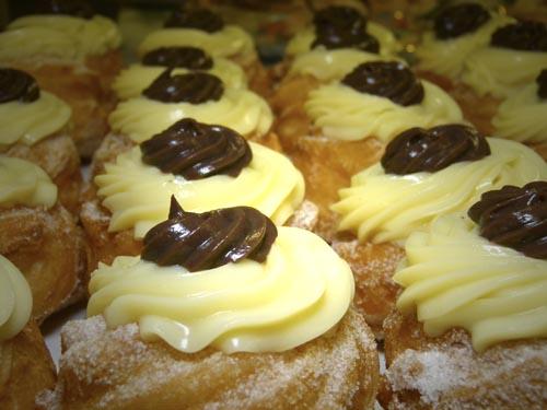 Chocolate Zeppole Di San Guiseppe Recipes — Dishmaps