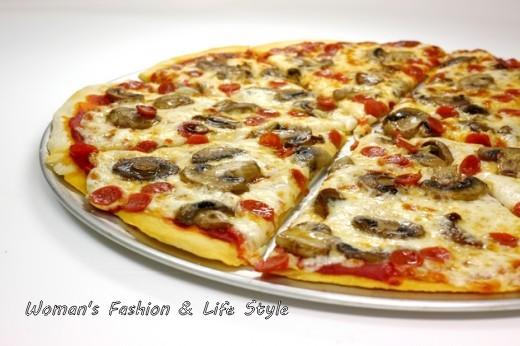 Mini-Pepperoni-and-Mushroom-Pizza-520x346.............,,